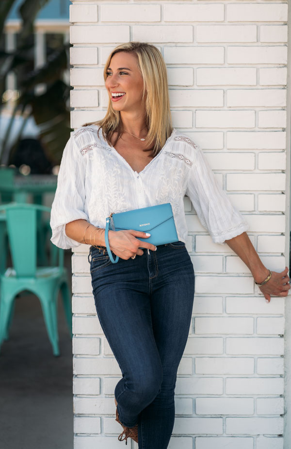 rovence-best-travel-couples-wallet-rfid-blocking-passport-holder-slim-womens-light-blue